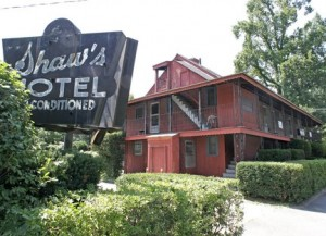 Shaw's Motel, photo by Dale Ruff / The Republican